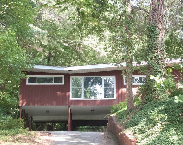 Midcentury modern home with butterfly roof in Morningside, Atlanta; photo by finelycrafted.net